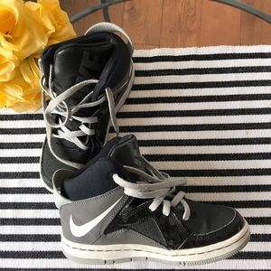 Nike high top runners